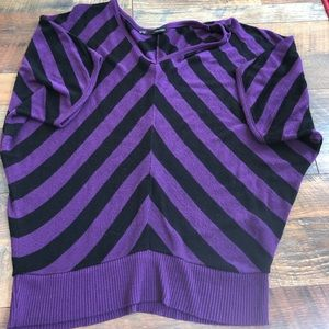 Maurice's sweater size medium